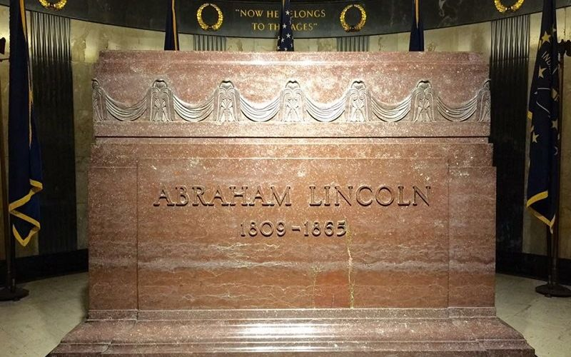 Где похоронен Авраам Линкольн