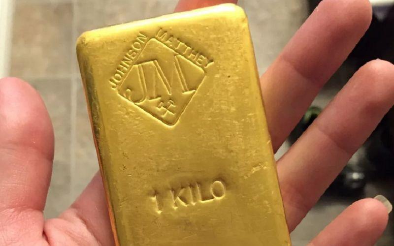 Кирпич из золота весом в 1 кг