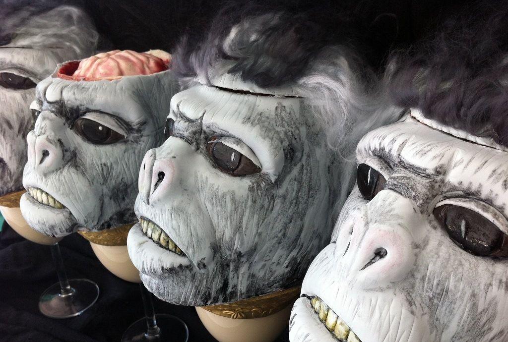 Блюдо из мозга живой обезьяны