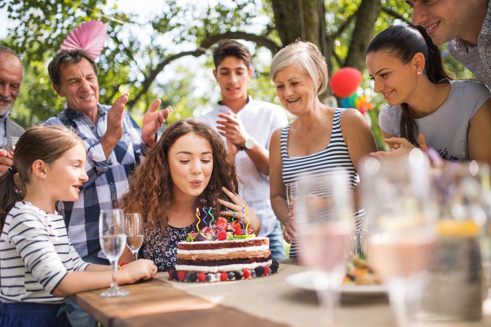 веселый праздник на день рождения