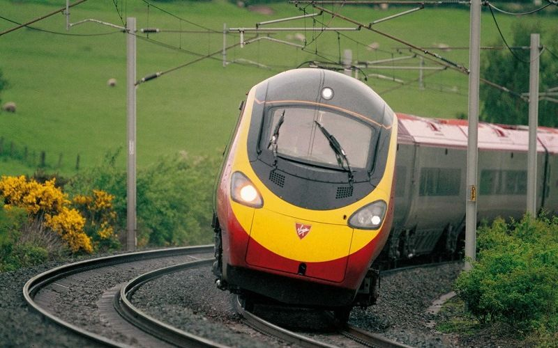 Train with carriages leaning when cornering