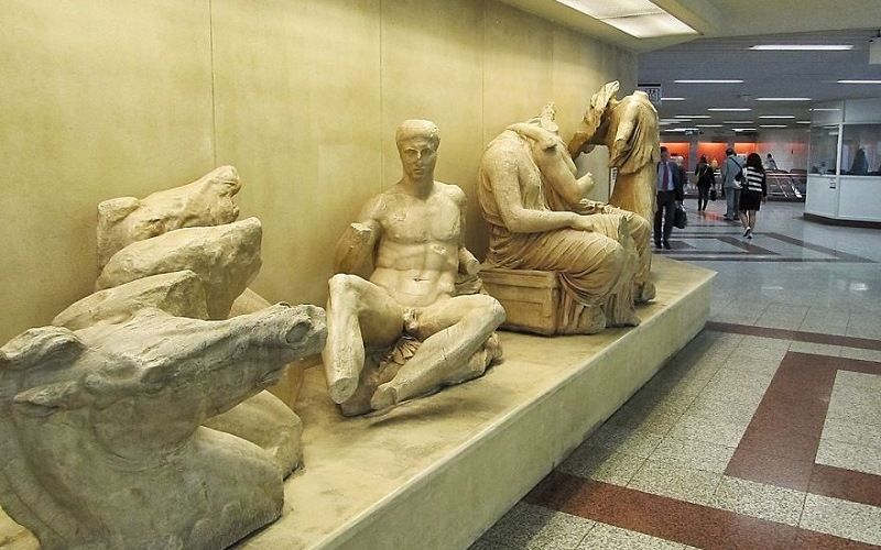 Ancient Greek metro statues