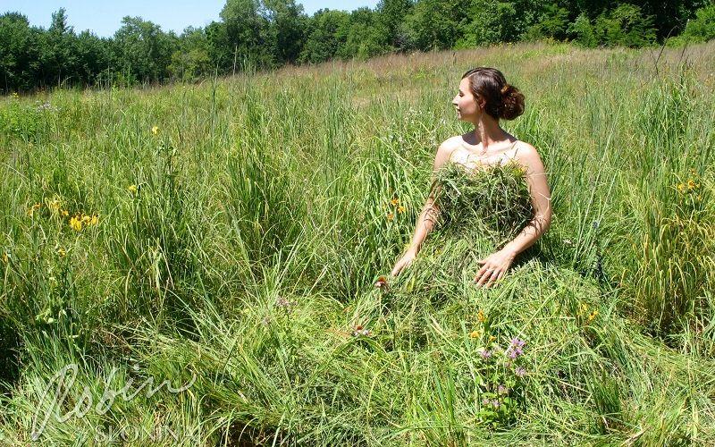Платье из травы