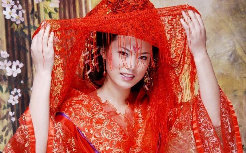 Красный цвет в Китае символизирует солнце, огонь, веселье