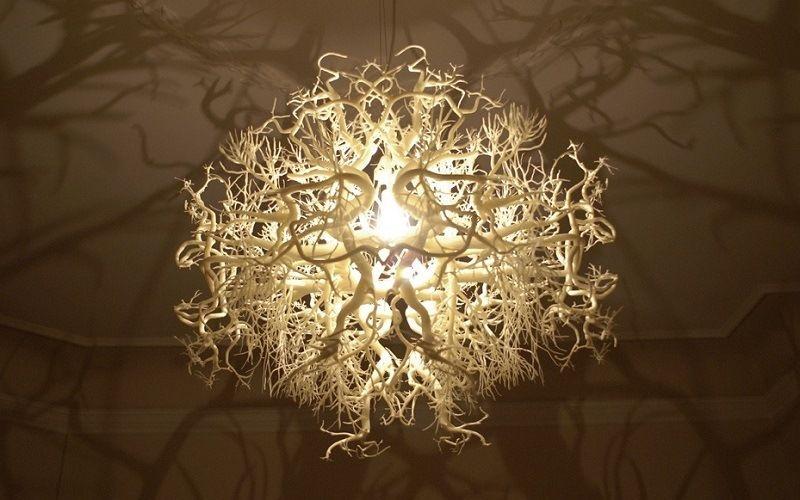 Светильник-шар, имитирующий корни деревьев