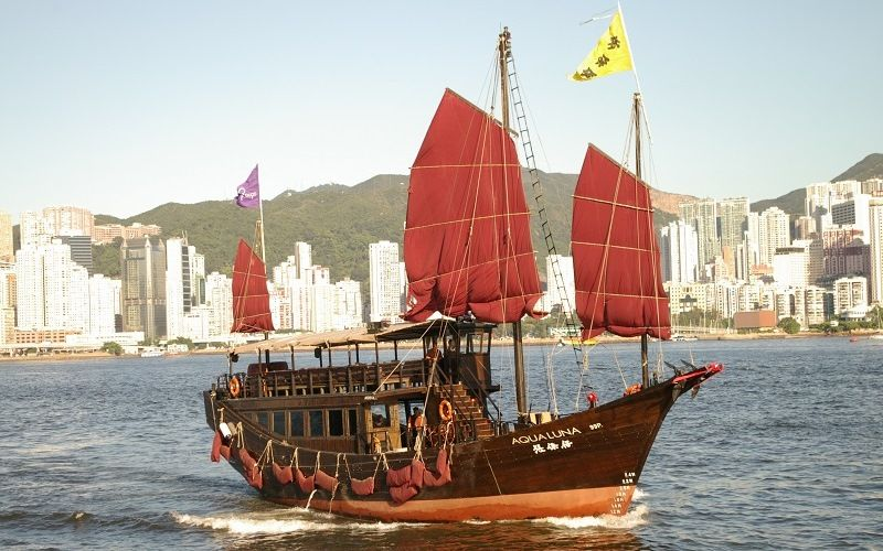 Парусное судно джонка