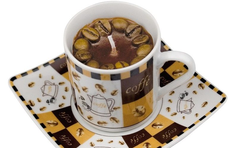 Свеча в кофейной чашке