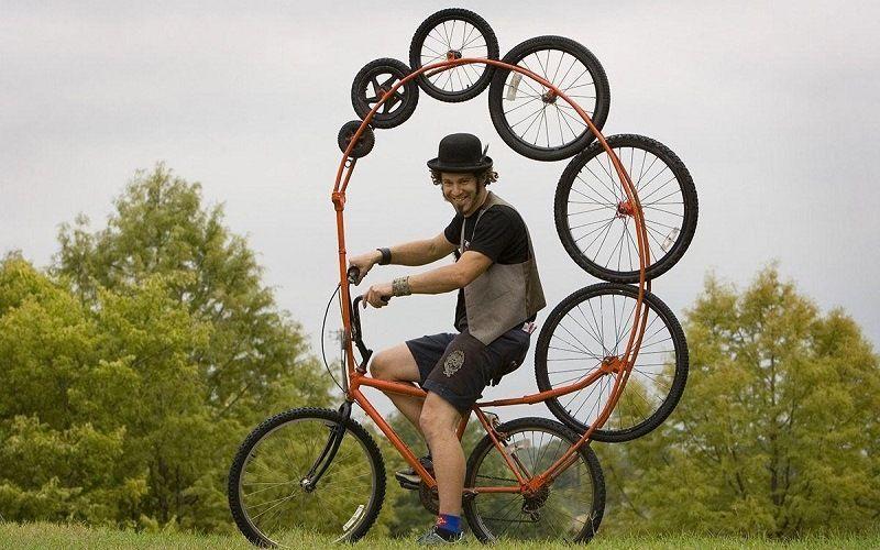 Велосипед с необычными колесами