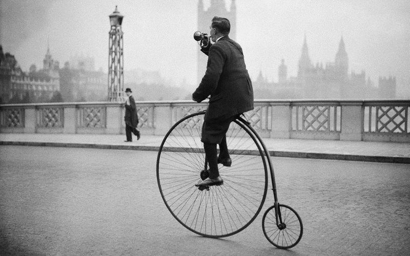Старинный велосипед Penny Farthing