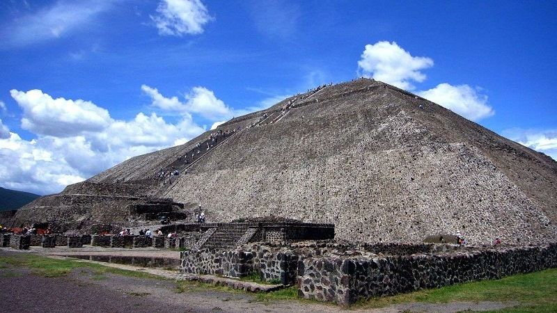 Белая пирамида в Китае
