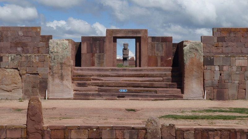 Загадочные постройки в Тиуанако