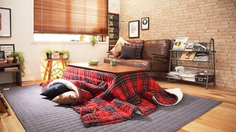 Стол - одеяло