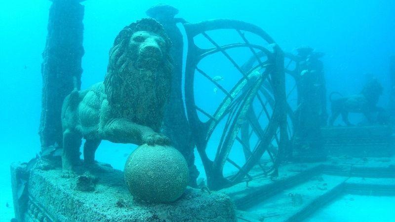 Мемориал Нептуна в заливе Бискейн, штат Флорида