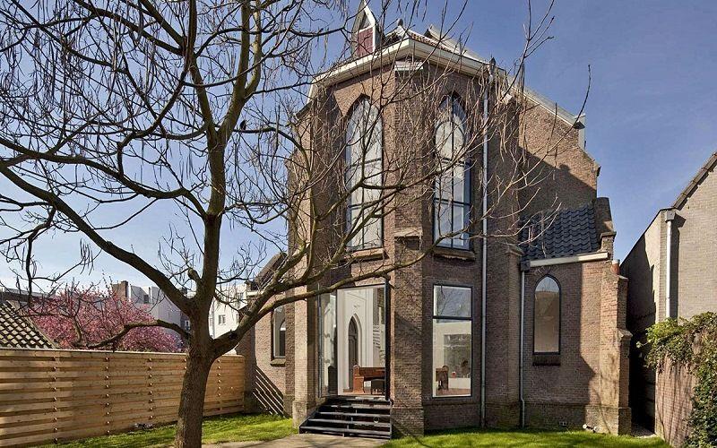 Home-Church of the company Zecc Architecten