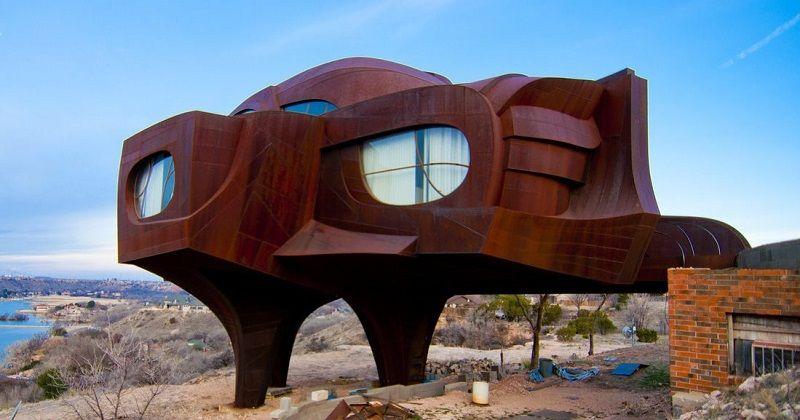 Steel house by Robert Bruno