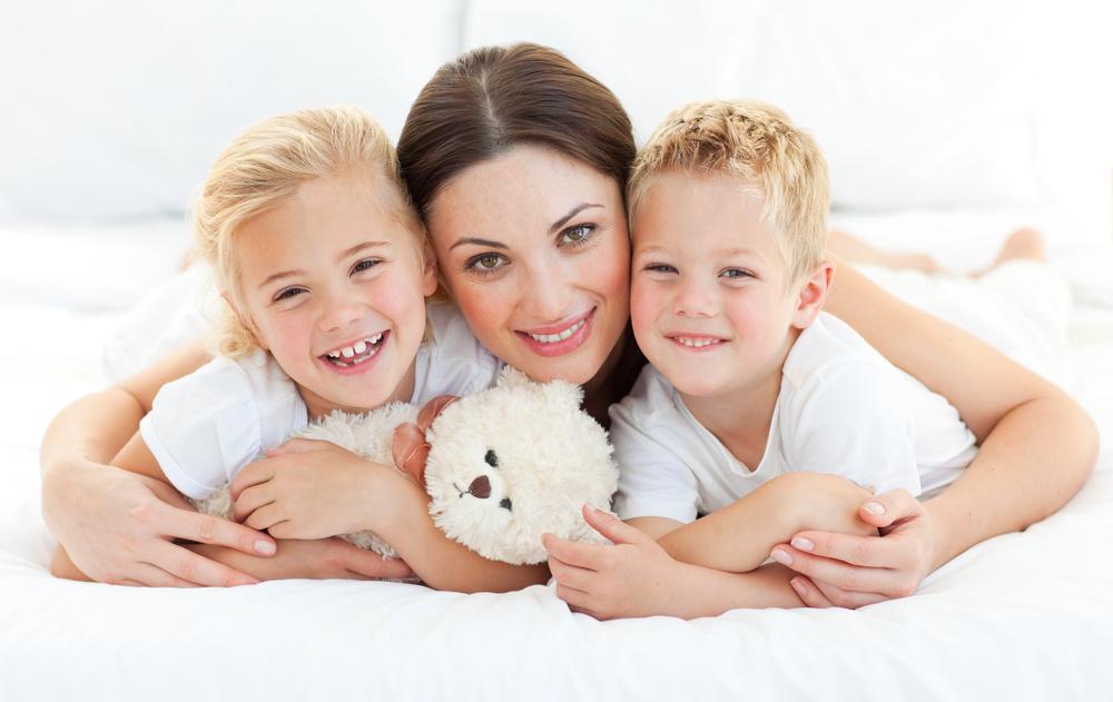 мама с сыном и дочерью