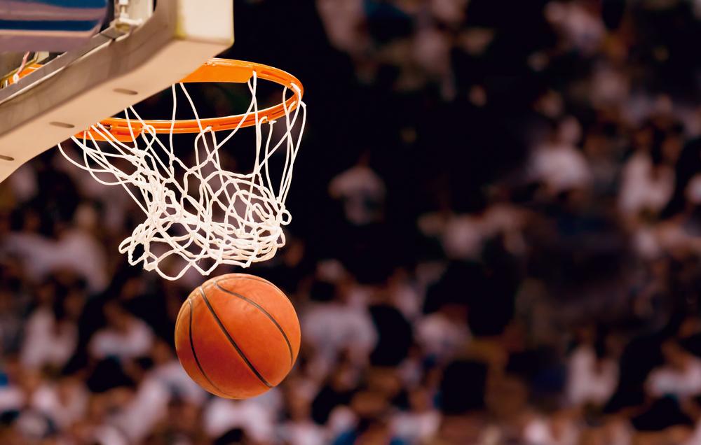 игра в баскетбол