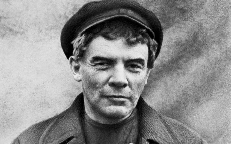 Ленин в парике