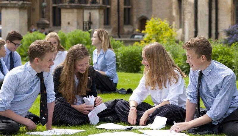 Школы Англии