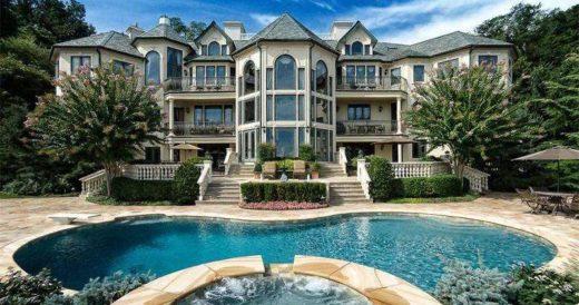 Большие и дорогие дома
