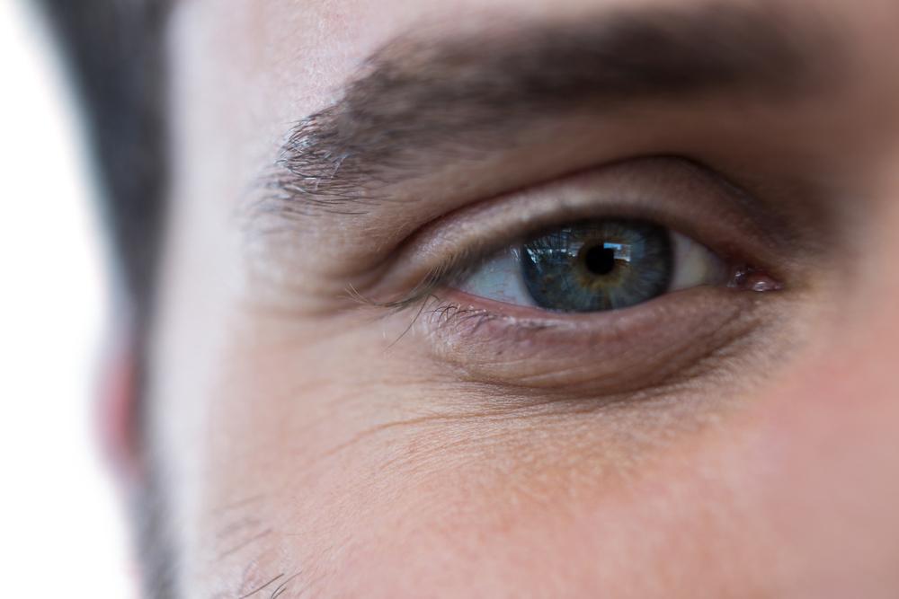 человек с зелеными глазами