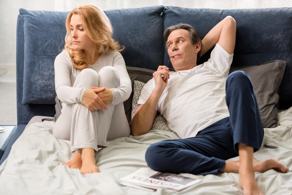 муж расстроил жену