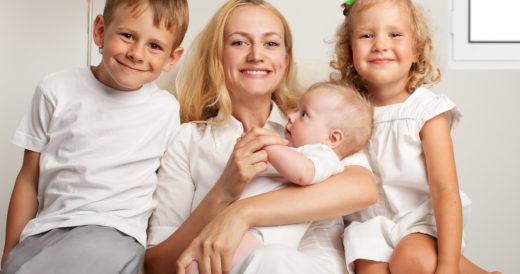 статусы для мамы троих детей