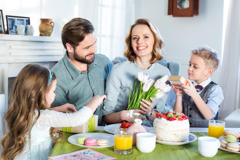 поздравление матери за столом такие