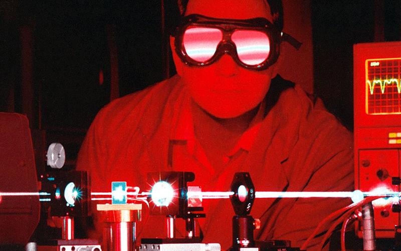 Инженер оптико-электронных приборов