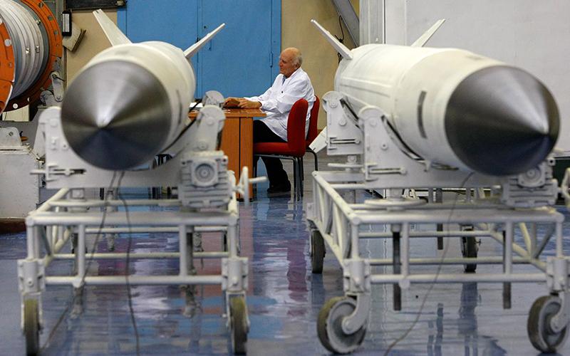 Оборонная промышленность и ядерная физика