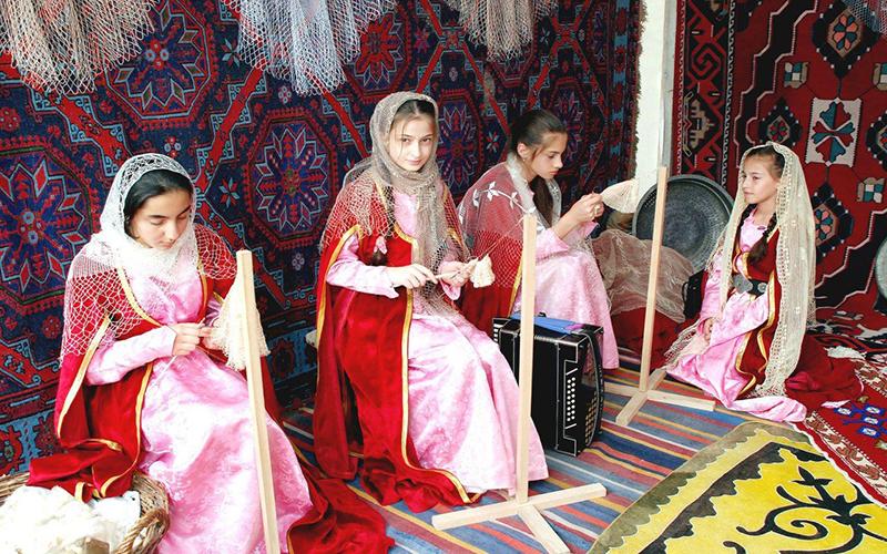 Девочки в дагестанской семье