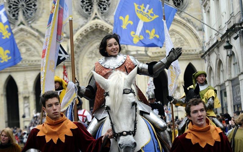 День покровительницы Франции Жанны д'Арк