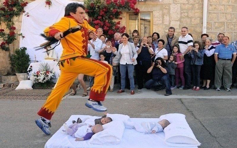 Испанская традиция